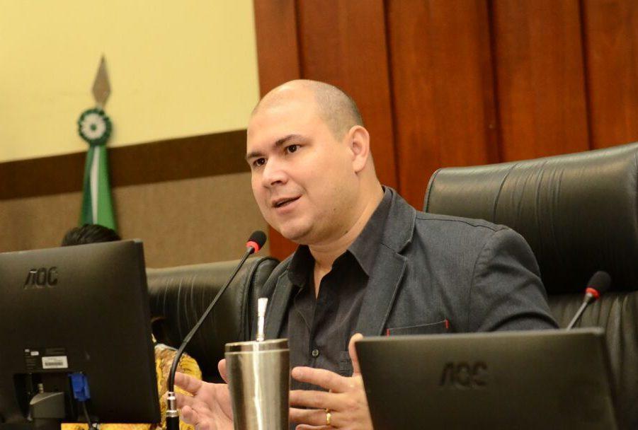 """""""Maio Amarelo"""" chegou ao fim, mas ações do vereador Abilio voltadas para o trânsito são atemporais"""